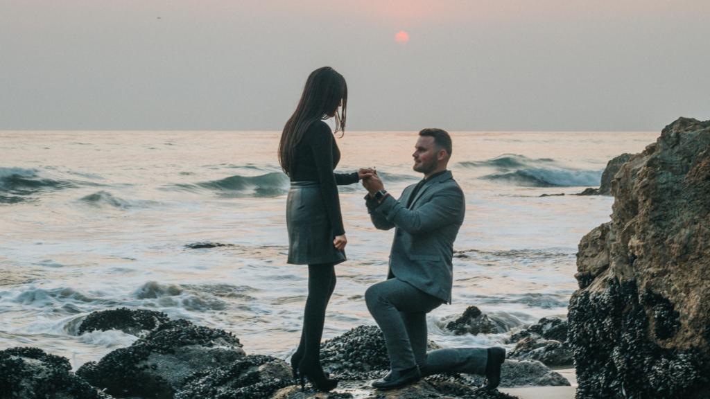 beach-proposal-photography