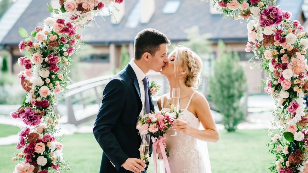 Ways to Save Money On Your Wedding Florals